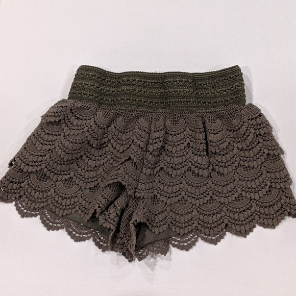 American Rag Pants - American Rag olive green scalloped lace shorts sm
